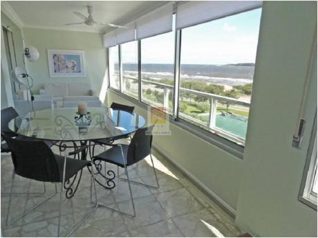 Apartamentos En Playa Mansa: Nyp27016a