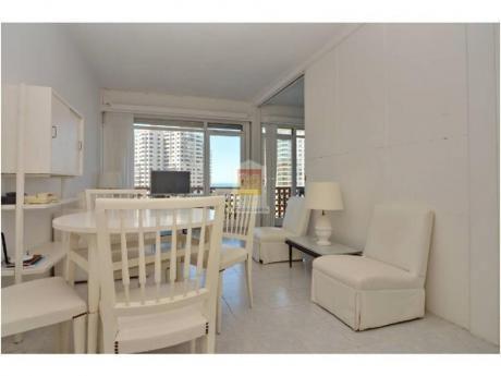 Apartamentos En Playa Mansa: Nyp28272a