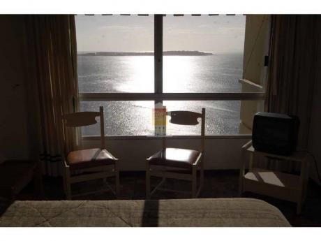 Apartamentos En Playa Mansa: Nyp3841a