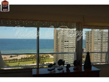 Apartamentos En Playa Mansa: Nyp497a