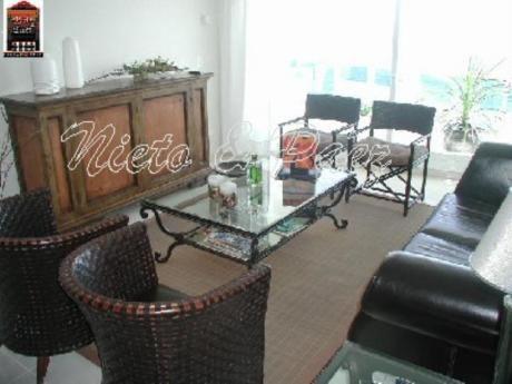 Apartamentos En Playa Mansa: Nyp6180a