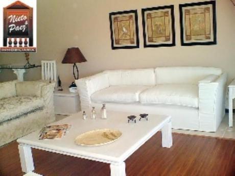 Apartamentos En Playa Mansa: Nyp6842a