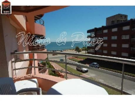 Apartamentos En Playa Mansa: Nyp7907a