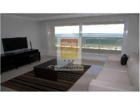 Apartamentos En Playa Mansa: Nyp9506a