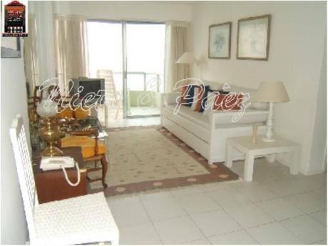 Apartamentos En Playa Brava: Nyp9815a