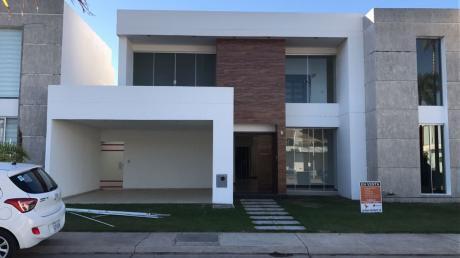 Jardines Del Norte 3 única Casa En Venta A Estrenar.