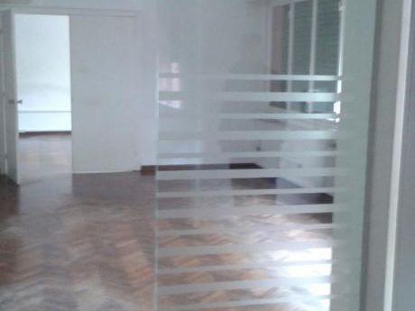 Gran Apartamento - 330 M2 - Sobre Plaza Cagancha - 3 Baños 2 Cocinas
