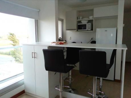 Moderno Apartamento Sobre Rambla Costanera