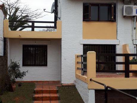 Alquiler Casa 3 Dormitorios 2 Baños S.j.de Carrasco
