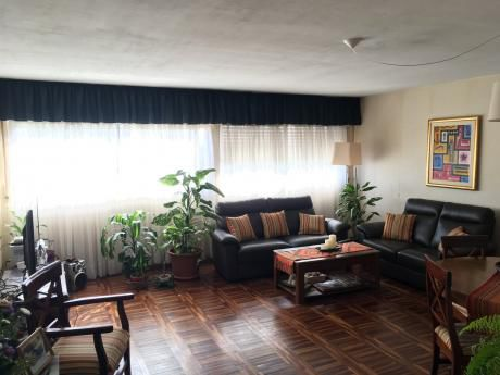 Gran Apartamento Sobre Agraciada.