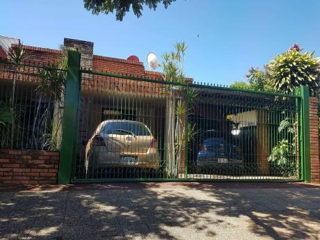 Capital Vende/alquila Casa Zona Banco Central.