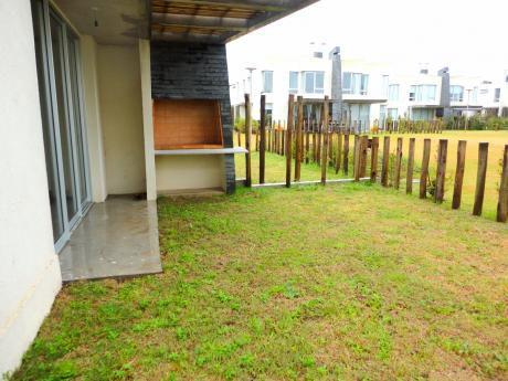 Casa A Estrenar De 3 Dormitorios - Complejo Greens