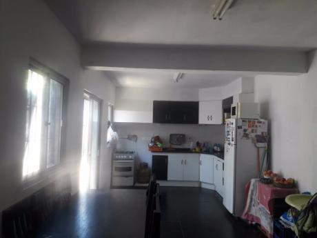 Casa Padron Unico 3d Y 2b En La Union, Reciclada, Con Patio