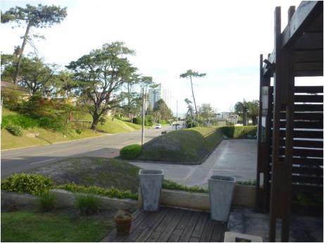 Casas En Playa Mansa: Gya556c