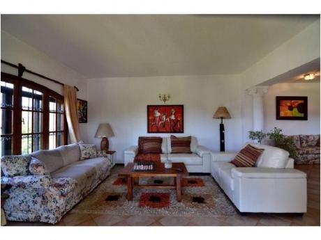 Casas En Las Delicias: Gya575c