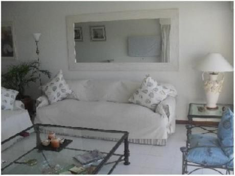 Apartamentos En Playa Brava: Gya898a