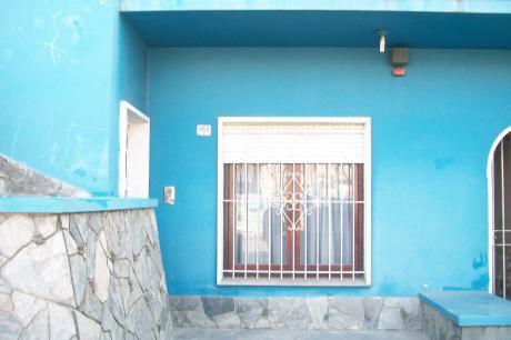 #pocitos.todo En Planta Baja Garage+cochera