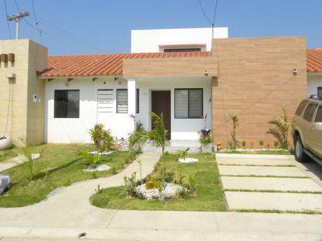 Amplia Casa En Zona Norte / Condominio Cerrado