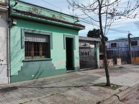 Casa Con Galpon Tipo Industrial Con Entrada Lateral Independ