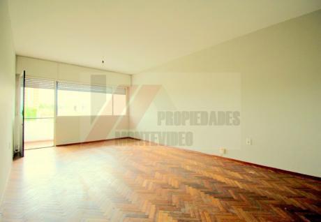 Apartamento 2 Dormitorios En Alquiler - Malvin
