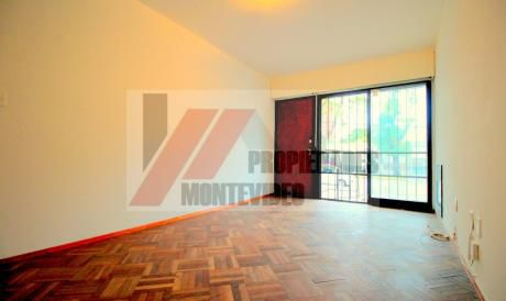 Casa 2 Dormitorios Con Opción A 3 - Alquiler Malvin