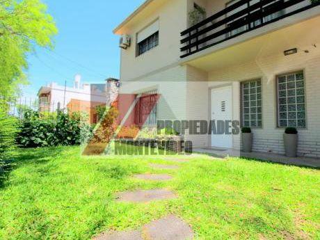 Casa De 2 Plantas A La Venta - 4 Dormitorios Y Plus De Renta