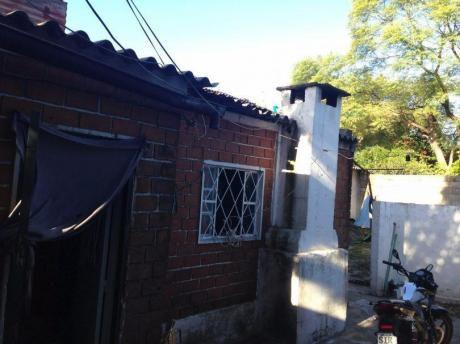 Casa Brazo Oriental Requiere Reparaciones.