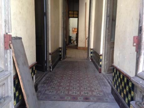 Casona De 6 Dormitorios Más Altillo 2 Baños