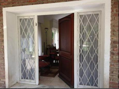 Acogedora Y Lista Para Entrar, Dueño Vende Casa En Solymar Con Hermoso Parque