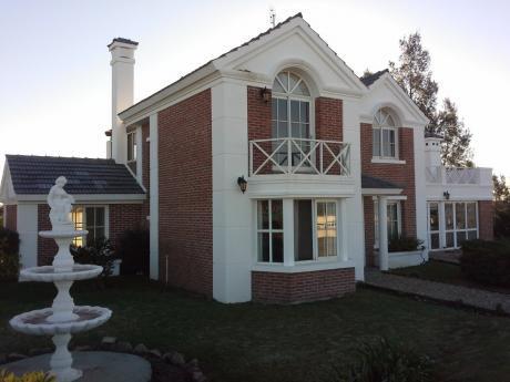 Elegante Casa 3 Dorm Depend Estar  Gja Jardín De Invierno