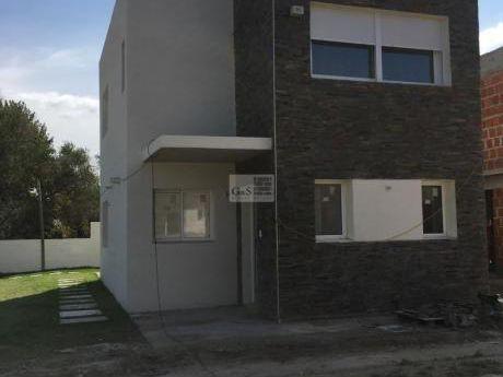 Casa A Estrenar 3 Dormitorios