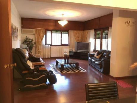 Casa De 4 Dormitorios En Venta En Carrasco
