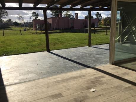 Casa Moderna A Estrenar De 3 Dormitorios En VIñedos De La Tahona