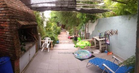 Casa Padrón único, Próxima A Mariano Moreno Y 8 De Octubre