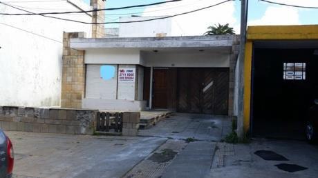 Oportunidad 3 Dormitorios, 2 Baños, Fondo Y  Garaje.