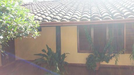 Vendo Una Casa En El Centro Mismo De San Lorenzo, Zona Stock Barrio San Antonio