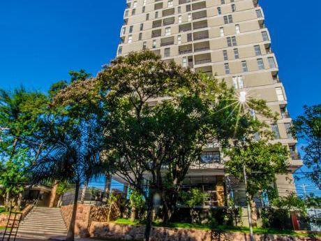 En Venta Imponente Penthouse Sobre Santisima Trinidad