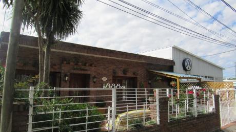 Casa Sobre Calle Aparicio Saravia