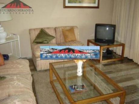 Apartamentos En Playa Brava: Emp1143a