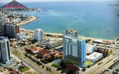 Apartamentos En Playa Mansa: Emp1450a