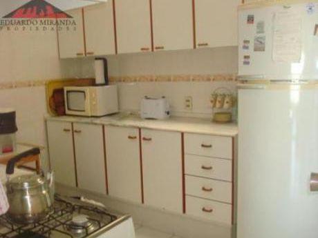 Apartamentos En Playa Mansa: Emp1654a
