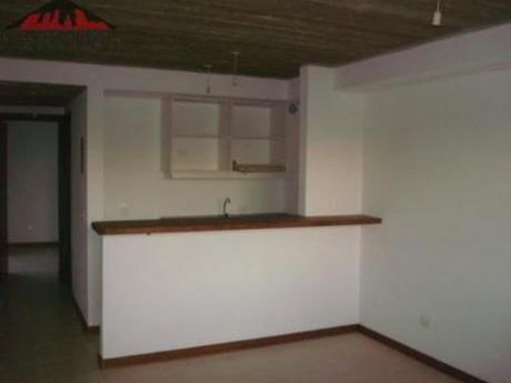 Apartamentos En Maldonado: Emp2213a