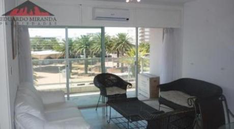 Apartamentos En Península: Emp2372a