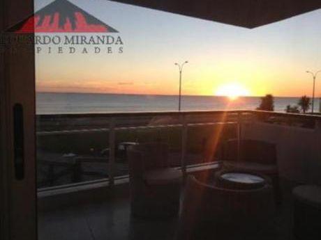 Apartamentos En Playa Mansa: Emp2811a