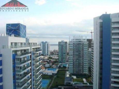 Apartamentos En Playa Brava: Emp3185a