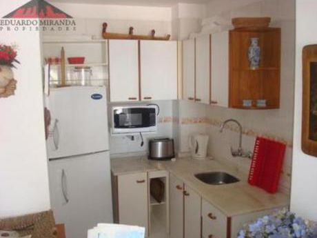 Apartamentos En Playa Mansa: Emp3421a