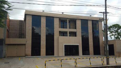 Alquilo Edificio Corporativo Sobre Av. Santa Teresa