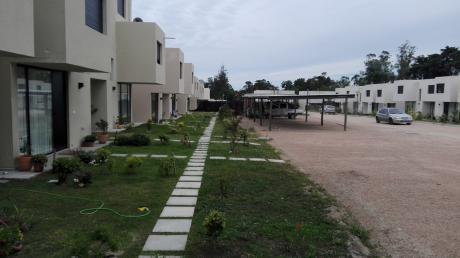 Casa A Estrenar , Acogedor Lugar , En Complejo Cerrado