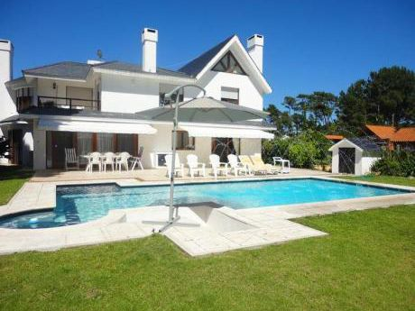 Alquiler anual de casas con jard n en san rafael for Jardin 4 maldonado