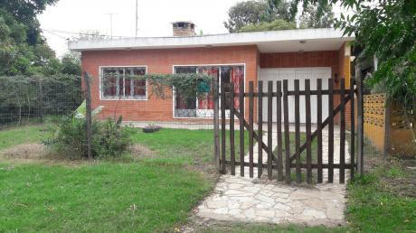 Casa Con Terreno En Esquina
